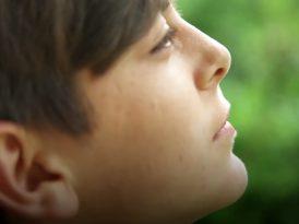 UNICEF bir yılın ardından Suriyeli mülteci çocuklar Malak ve Mustafa'yı ziyaret ediyor.
