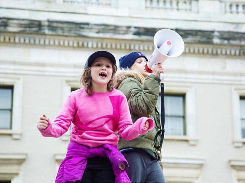 ABD Başkanlığı yolundaki kız çocukları