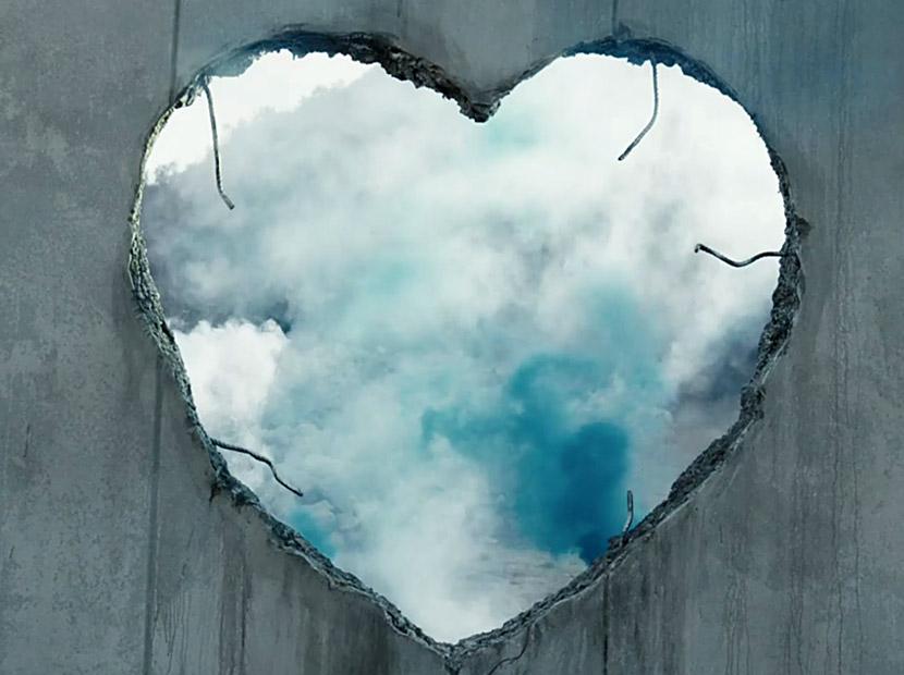 Diesel'den güçlü mesaj: Make Love Not Walls