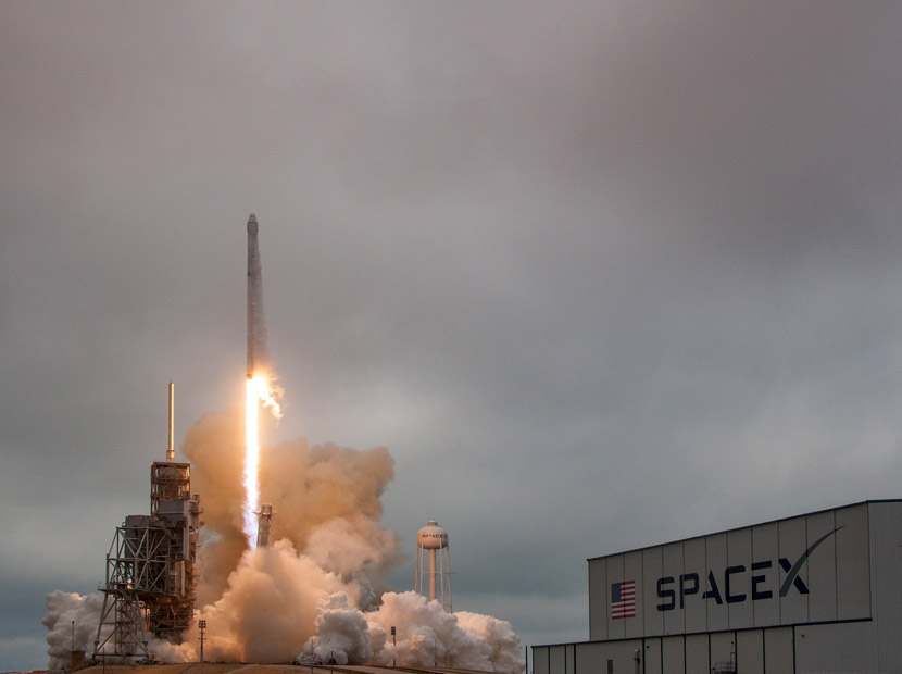 SpaceX ile Ay'a seyahat