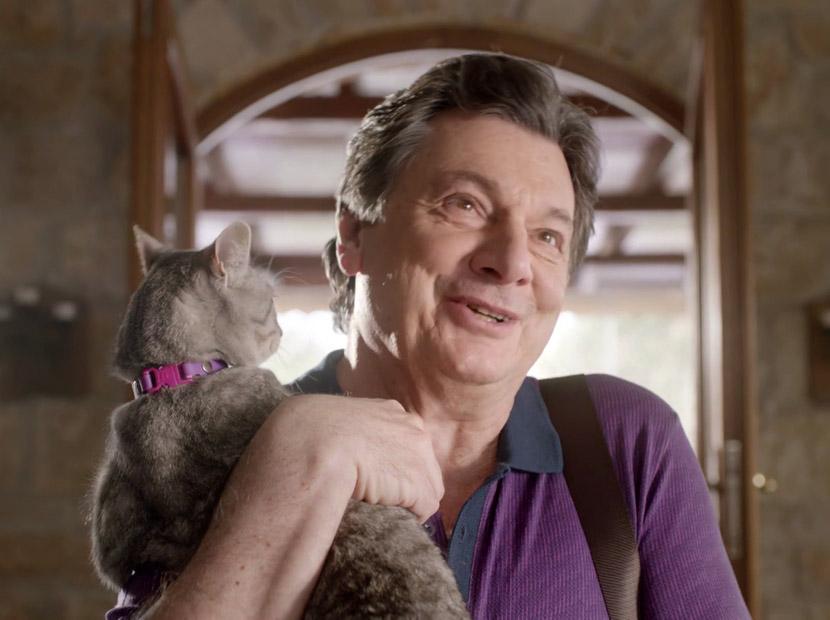 Zor beğenenlerde bugün: Vedat Milor ve kedisi Miyöv