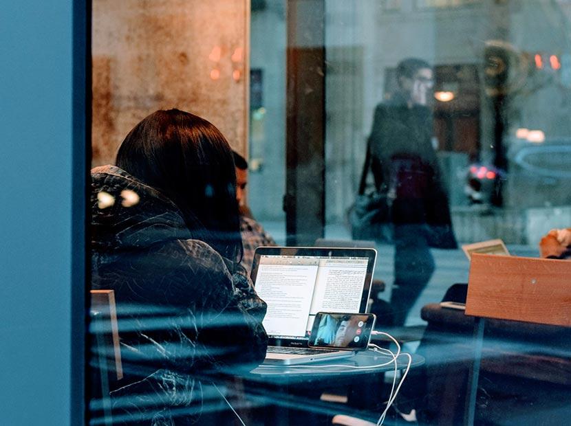 Toplu internet kullanımı sağlayıcıları yönetmeliği ne getiriyor?