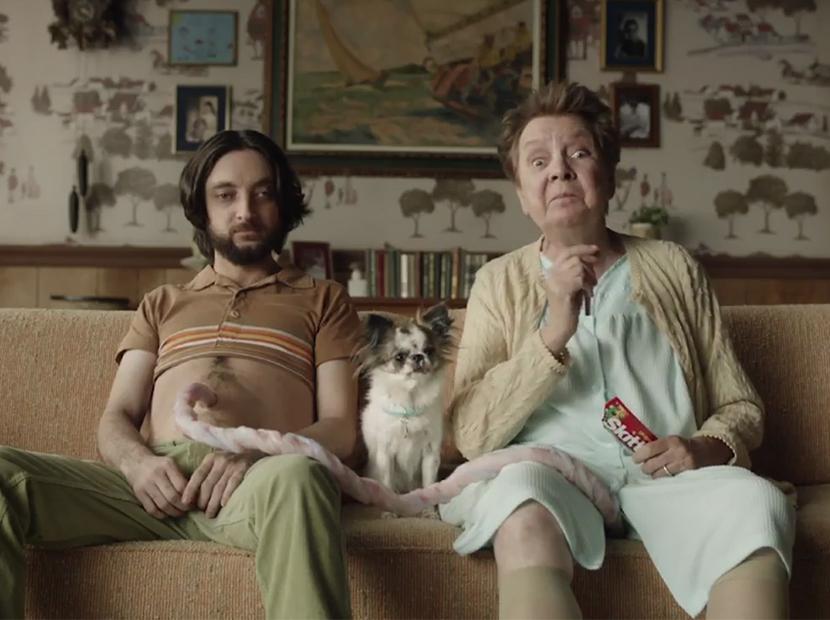 Skittles'tan Anneler Günü'ne sürrealist yaklaşım