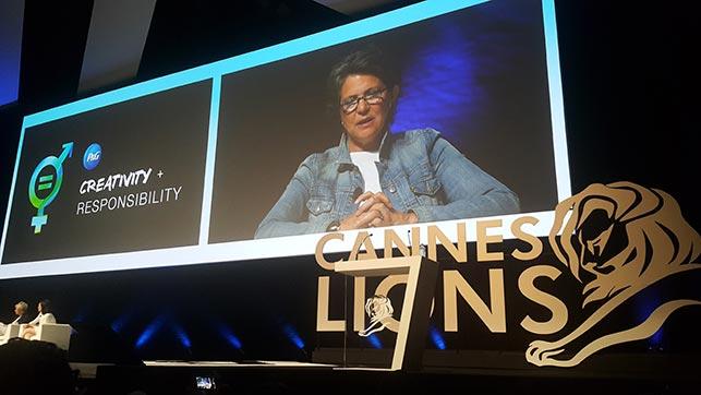 Cannes'dan iyi kalpli herkese sevgilerle