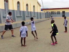 Afrikalı çocuklar için hayali futbol