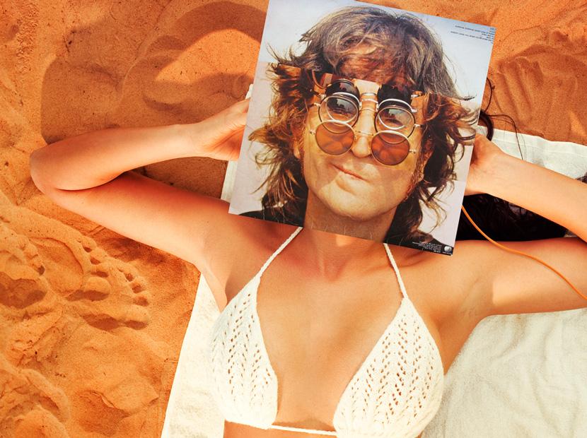 Deniz, kum, biraz da John Lennon