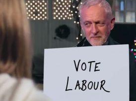 Siyasi iletişimde İngiliz komedisi