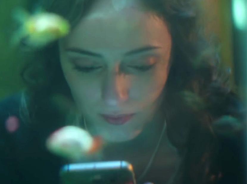 Telefonlar aşk için devrede