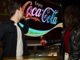 Coca-Cola'dan eşcinsel evliliğine renkli destek