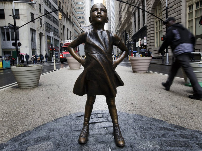 Fearless Girl'ün ardındaki kuruma cinsiyetçilik cezası