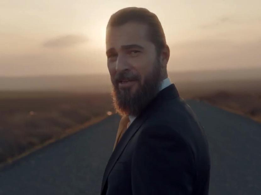 VakıfBank'ın yeni reklam yüzü Engin Altan Düzyatan