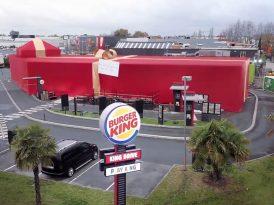 Bir Noel hediyesi olarak Burger King restoranı