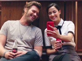 Coca-Cola'nın yeni reklam yüzü Kıvanç Tatlıtuğ