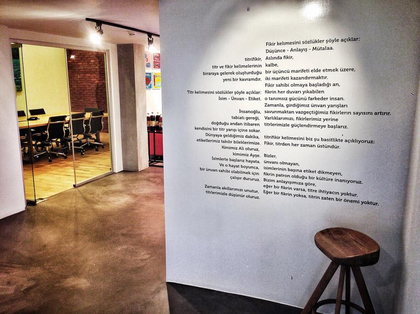 Titrifikir Café Crown'ı nasıl aldı
