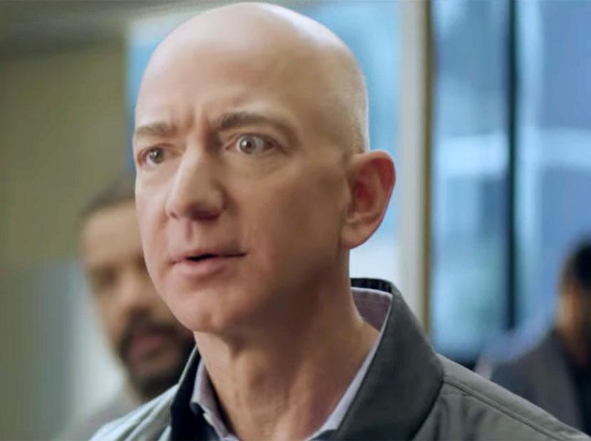 Jeff Bezos Alexa için kamera karşısında