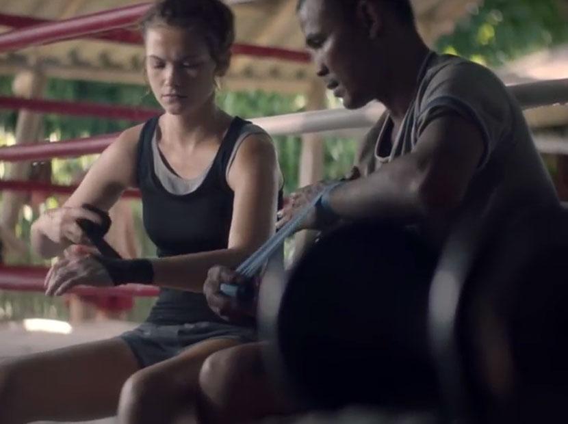 Bol yemekli ve bokslu bir Tayland güzellemesi
