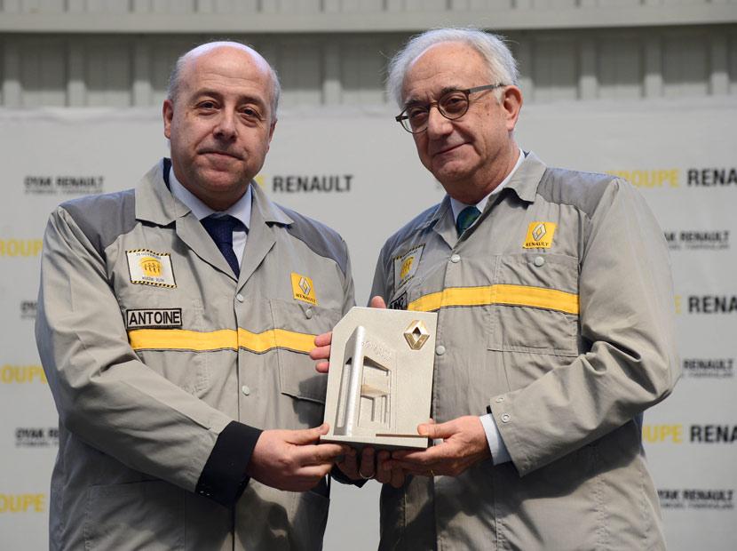 Oyak Renault'da bayrak değişimi