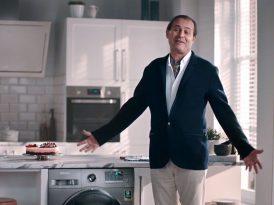 Ayhan Sicimoğlu mutfakta