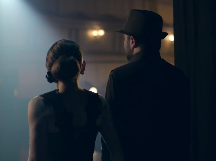 Karanlık ve sessizlikte engel tanımayan tango
