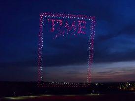 958 drone tek bir kapak için havada