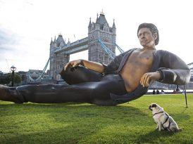 Jurassic Park için Jeff Goldblum heykelli 25'inci yıl kutlaması