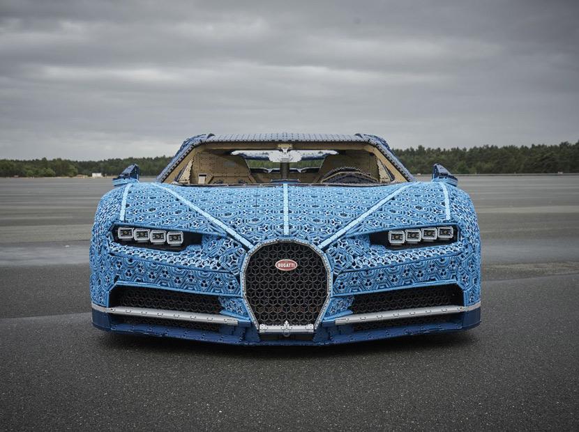 LEGO parçalarıyla gerçek boyutlu Bugatti Chiron