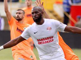 Antalyaspor'dan Barbaros Ortaokulu öğrencilerine jest
