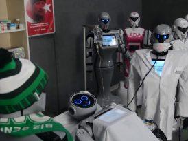 Mini Ada'ya robot arkadaşlarından hasta ziyareti