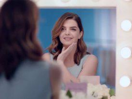 Nivea'nın yeni reklam yüzü Pelin Karahan