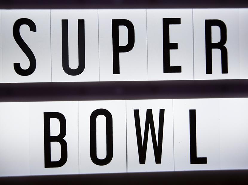 Ozan Özüm Özbey'den Super Bowl reklamları hakkında bir yazı