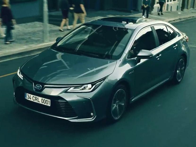 Tüketicinin eseri olan bir otomobil