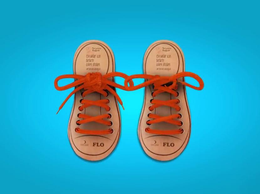 Her turuncu bağcık bir gülücük