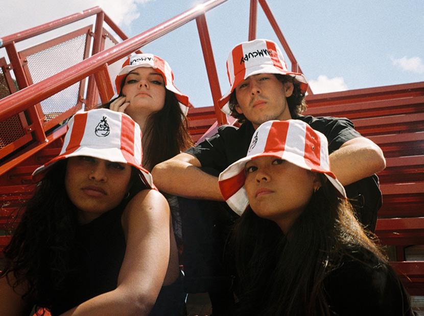 KFC'den kova tarzı şapkalar