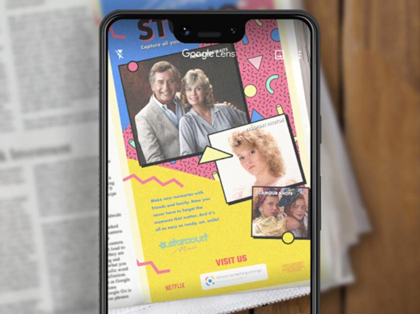Gazete sayfalarında bir artırılmış gerçeklik reklamı