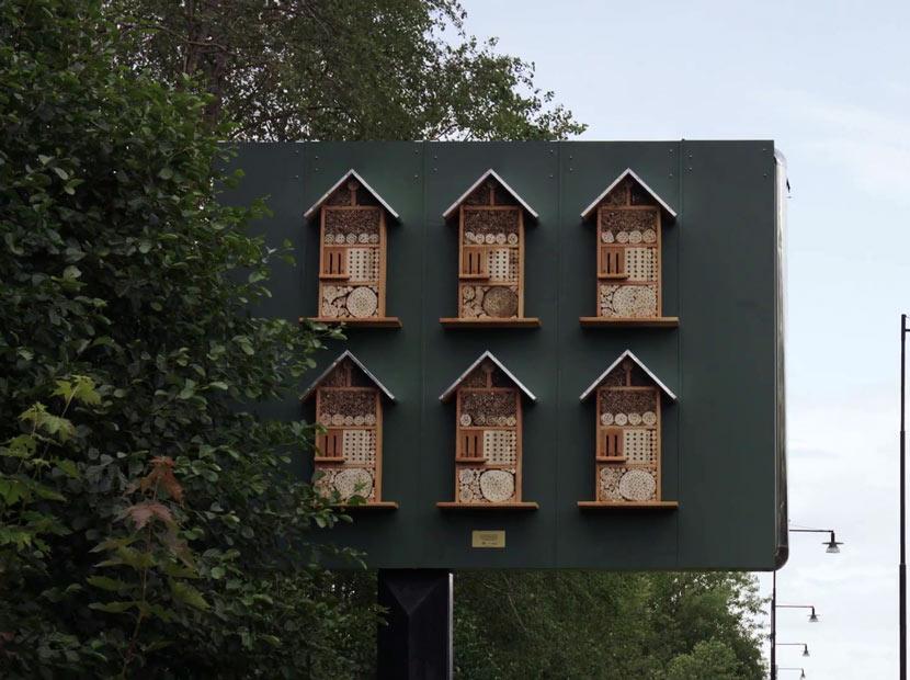 Arı oteline dönüştürülen billboard'lar