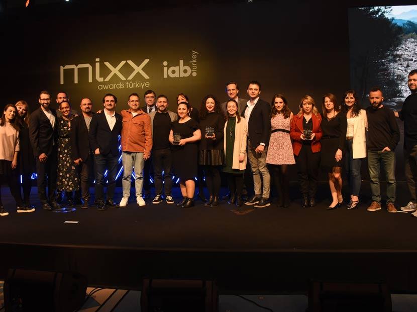 10. MIXX Awards Türkiye'de kazananlar belli oldu
