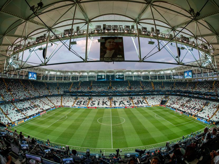 Beko yeniden Beşiktaş formasının göğsünde