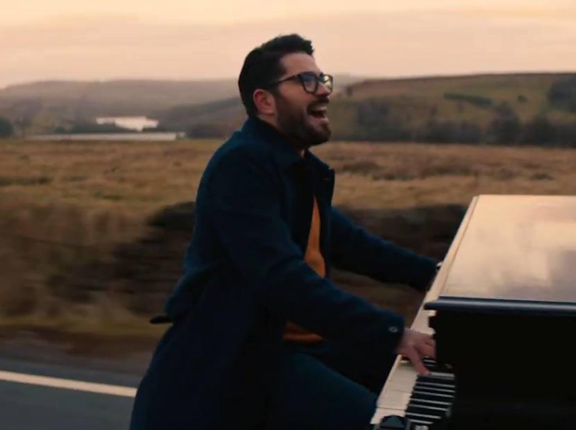 Zamanın kıymetini bilen piyano sürüşü