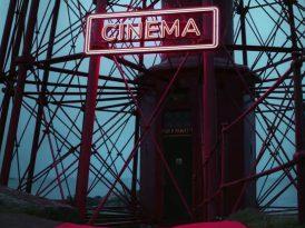 Issız bir sinema deneyimi