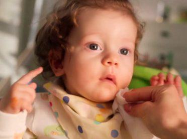 Bebekler değişir, Uni Baby yetişir