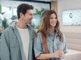 Lova Yatak'ın yeni reklam yüzleri Larissa & Burak Gacemer